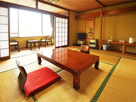 10-tatami mat Japanese room with bath and toilet (new building)