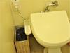 部屋のトイレの造りとか狭いしウォシュレットもない